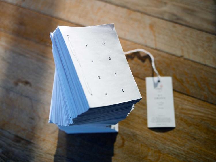 Livres éphémérides N°7 Uranus, livre glacé, 3 824 pages
