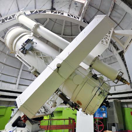 Légende : Le télescope de 1 m – droits : Frédéric Arenou