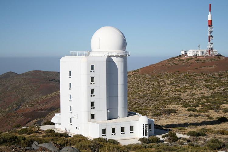 Le télescope solaire THEMIS – droits : Pauljwright
