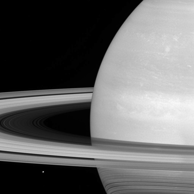 Mimas, the rings and Saturn – credits : NASA/JPL-Caltech/Space Science Institute