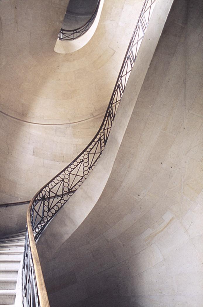 Escalier principal du bâtiment Perrault - droits : Observatoire de Paris