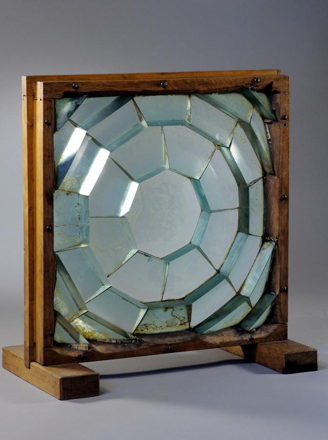 Fresnel lens - credits : Observatoire de Paris