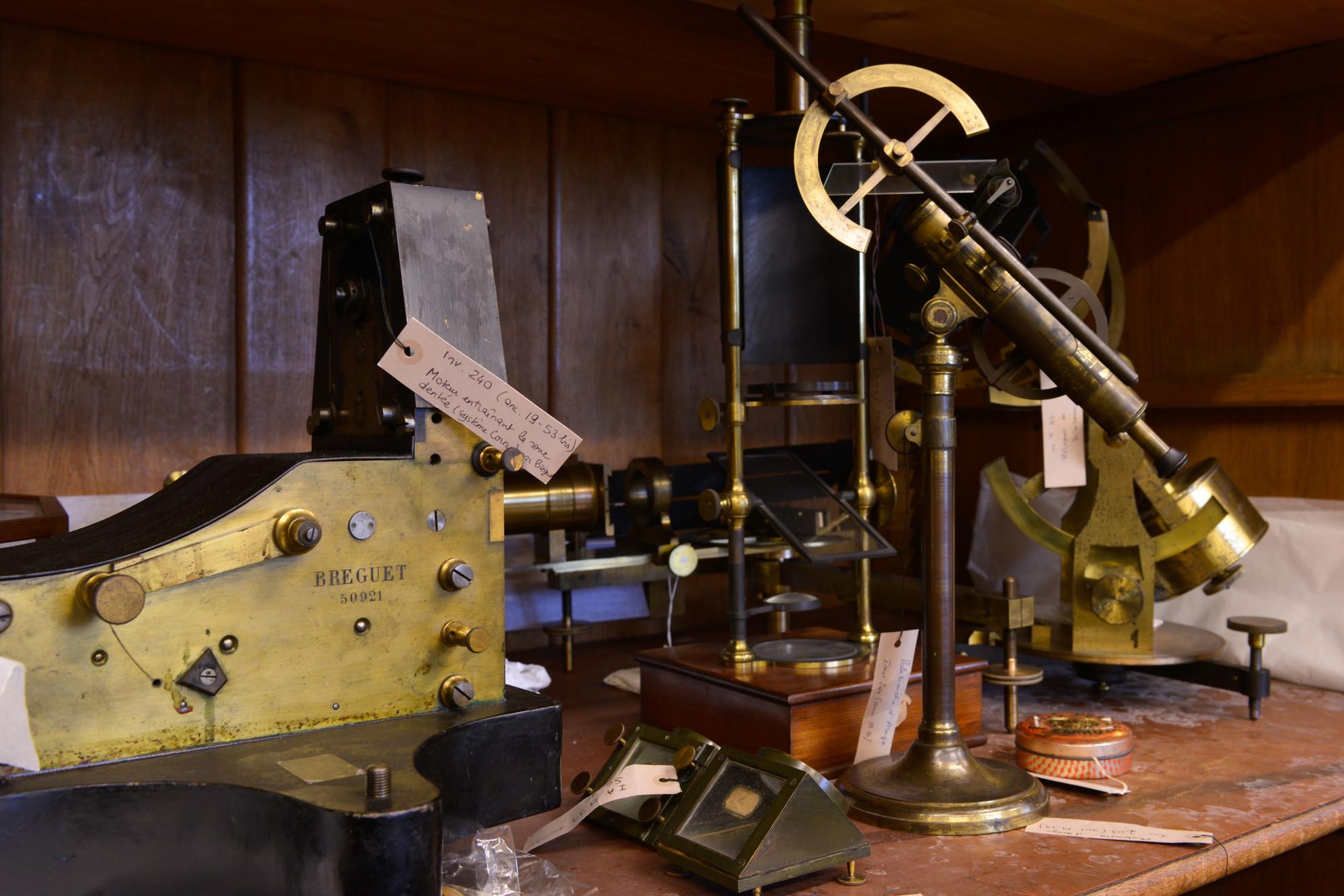Dans les réserves des instruments anciens - Droits : Gil Lefauconnier