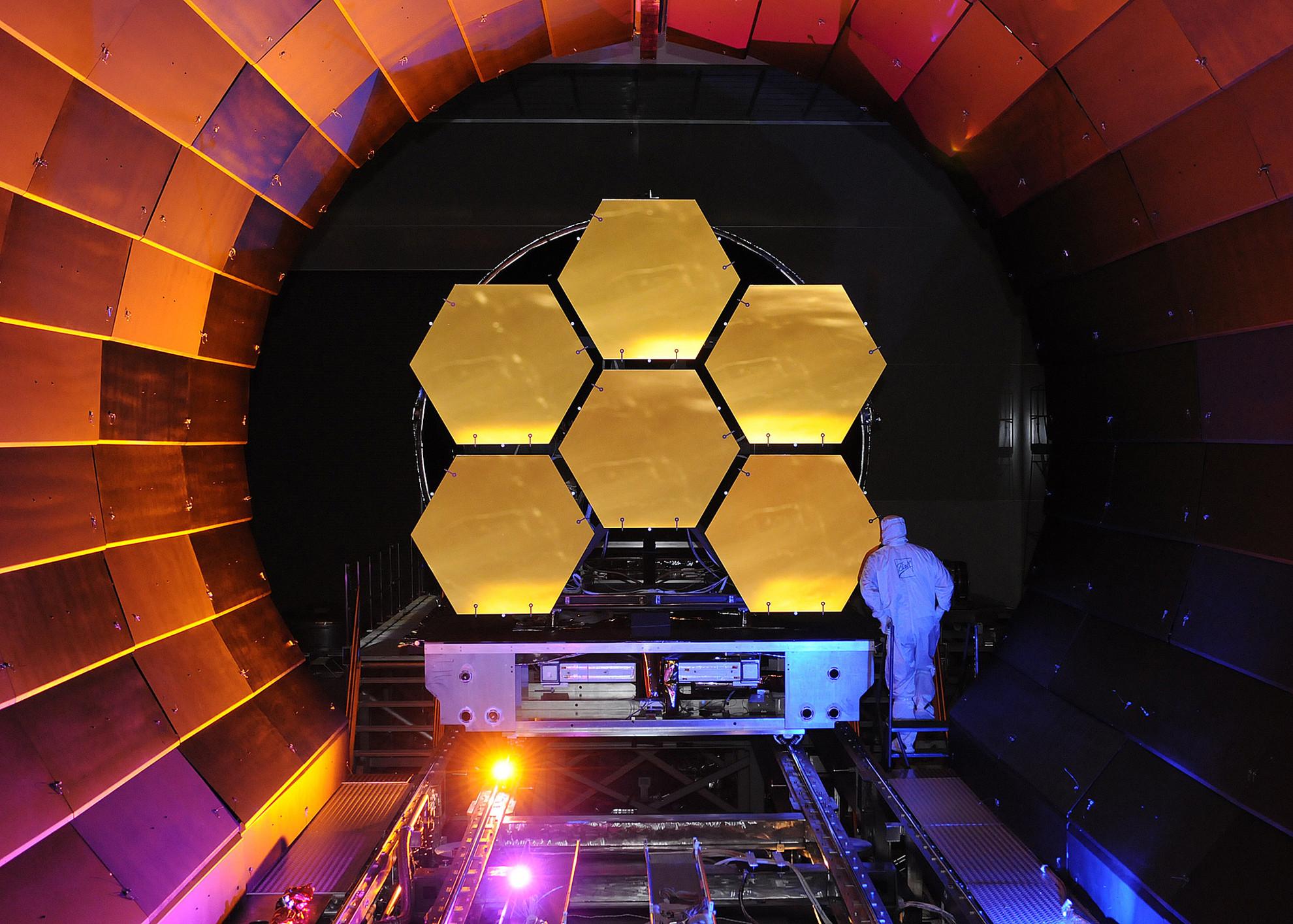 Le futur successeur d'Hubble, le James Webb Space Telescope - droits : Ball Aerospace