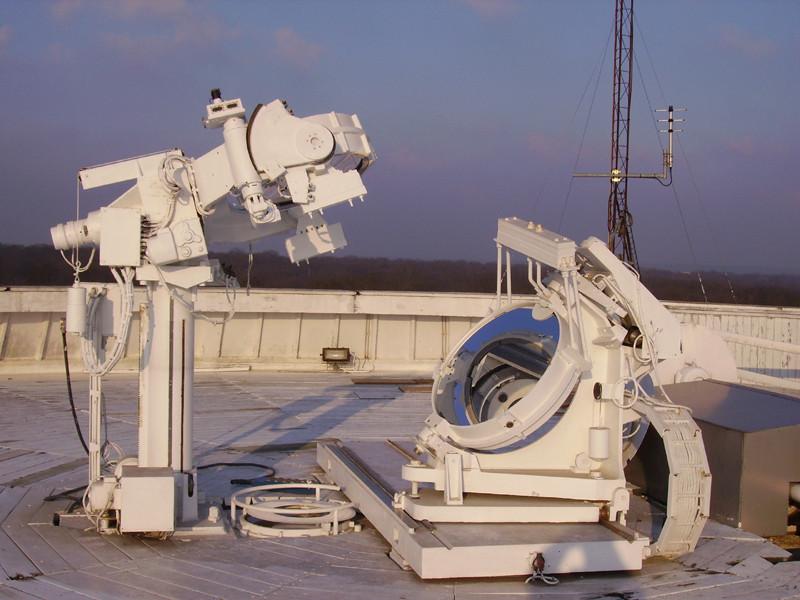 Le cœlostat au sommet de la tour solaire - Droits : Observatoire de Paris